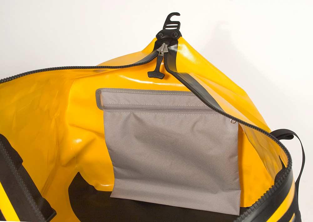 ortlieb-dry-duffle-k1403-inside-pouch